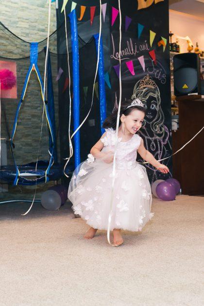 Copil fericit in Loc de joaca si petreceri copii Bucuresti